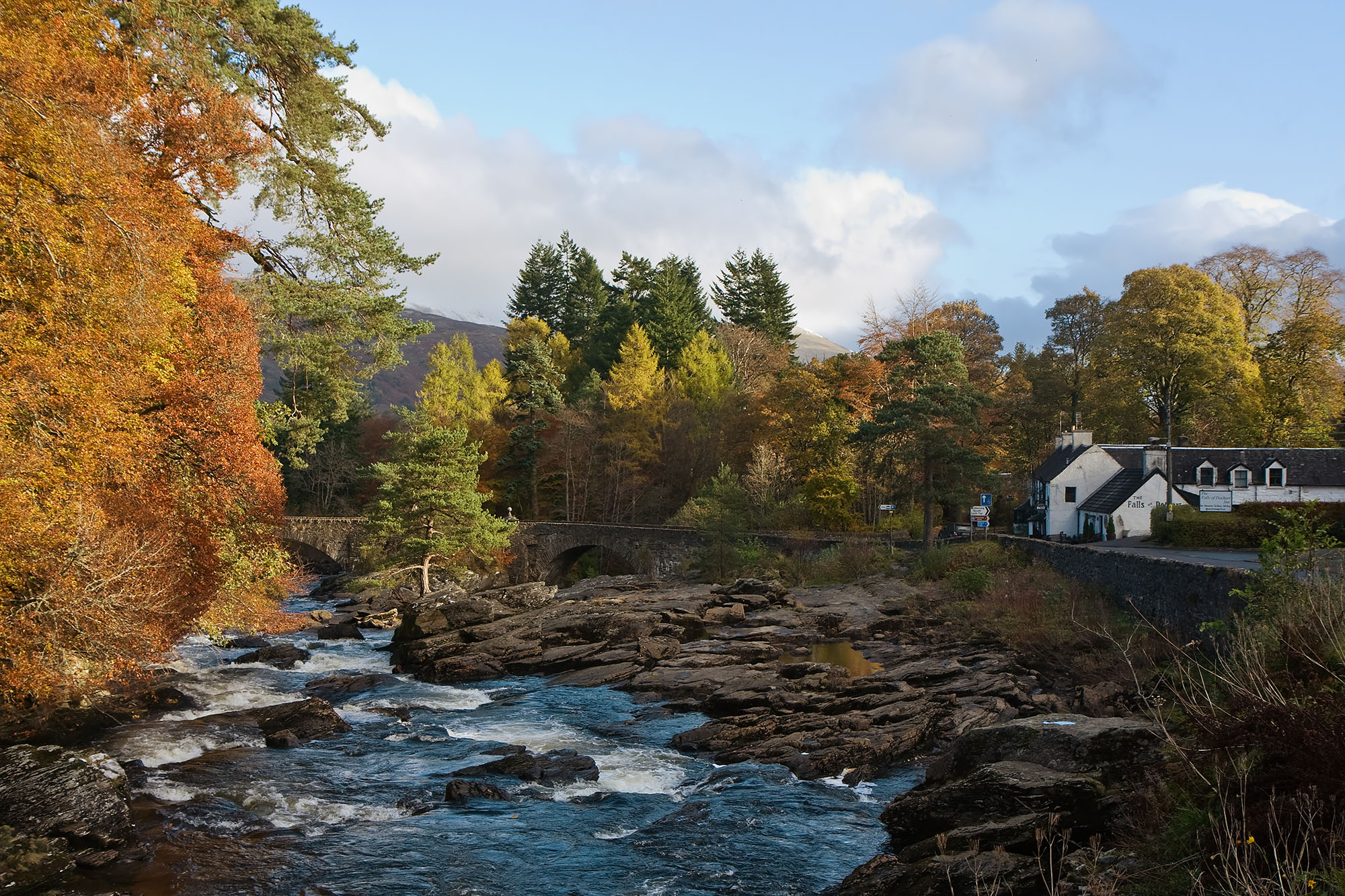 De Dochart-watervallen, Killin